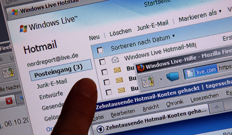 Tens of thousands Hotmail accounts hacked
